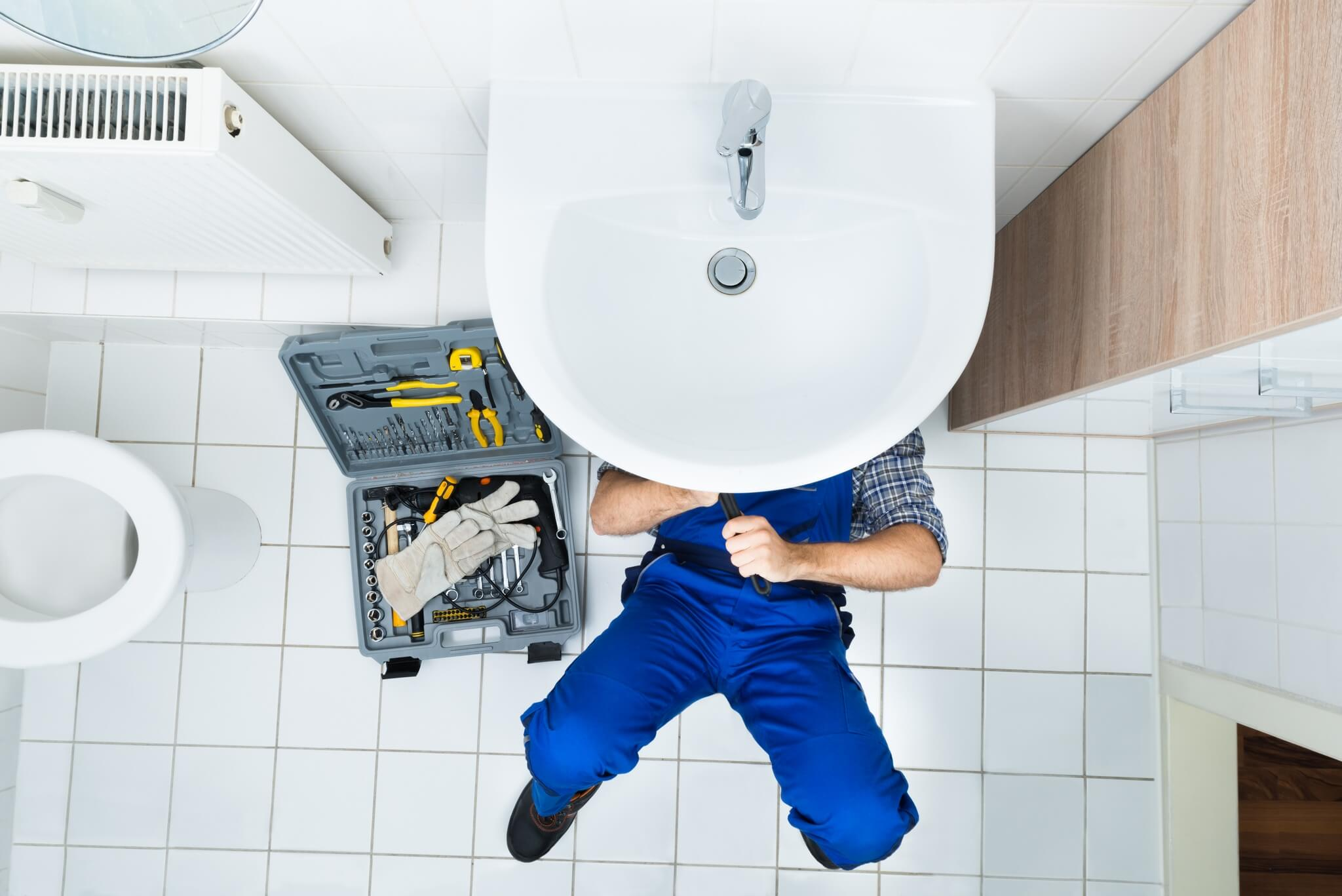 Why Hire Professional Plumbing Contractors For a New Build?